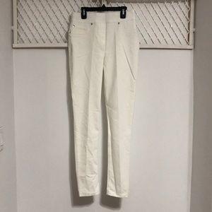 NYGÅRD Women's Luxe White Denim Slims